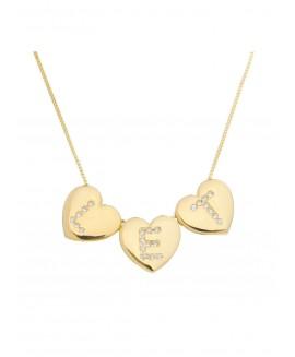Colar  com três pingentes de coração com 03 letras personalizadas