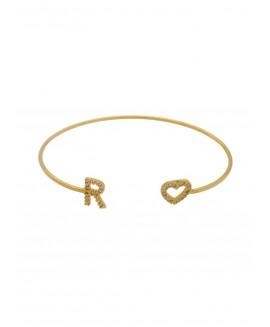 Pulseira fina de ajuste com uma letra personalizada de brilhante e coração